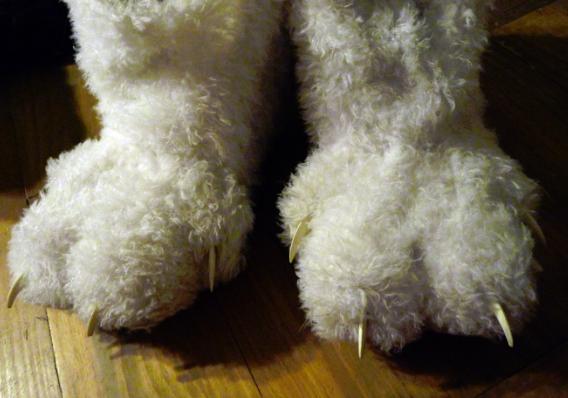 Toony White Feet