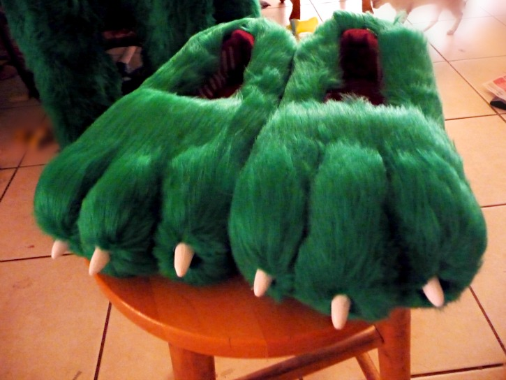 Green Cat Feet